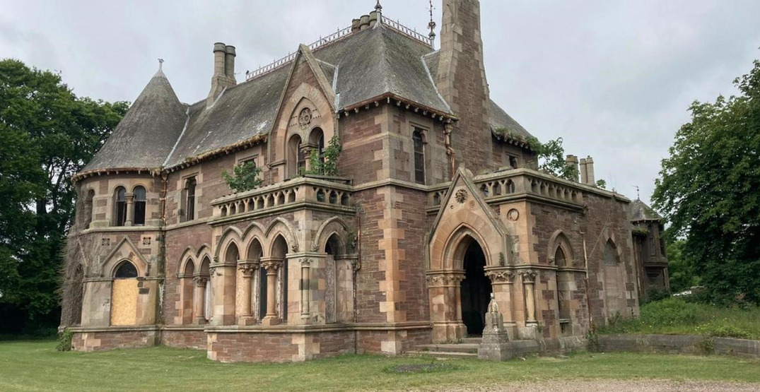 A 19th century Scottish mansion is going on sale for $1.70 (PHOTOS)