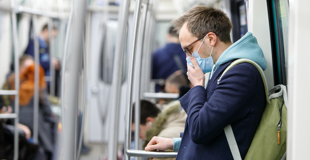 Quebec makes wearing face masks mandatory on public transit