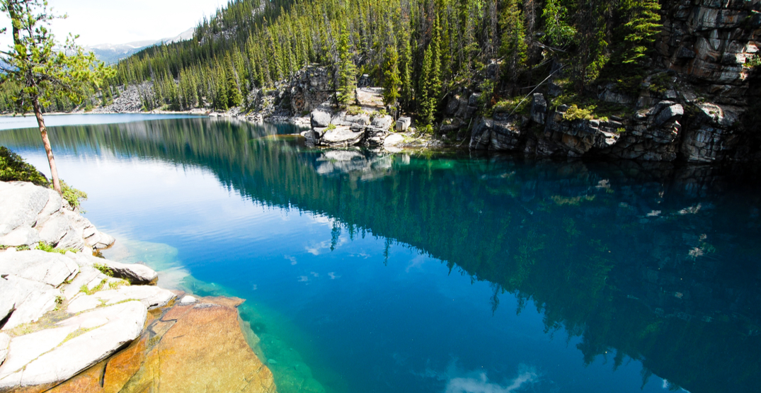 Awesome Alberta: Horseshoe Lake will be your new favourite swimming spot