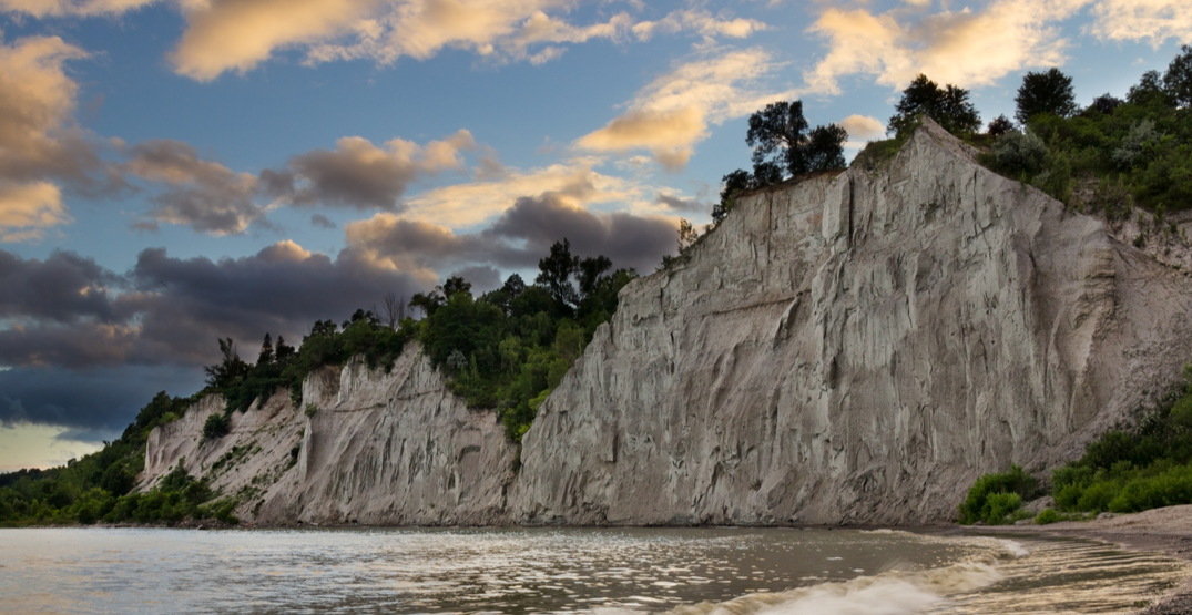 Man reportedly rescued after falling down Scarborough Bluffs escarpment