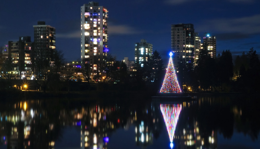 stanley park jubilee fountain christmas tree lights