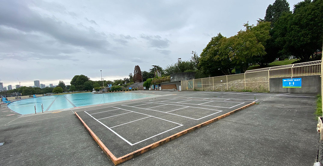 Demand for outdoor pool tickets crashes City website
