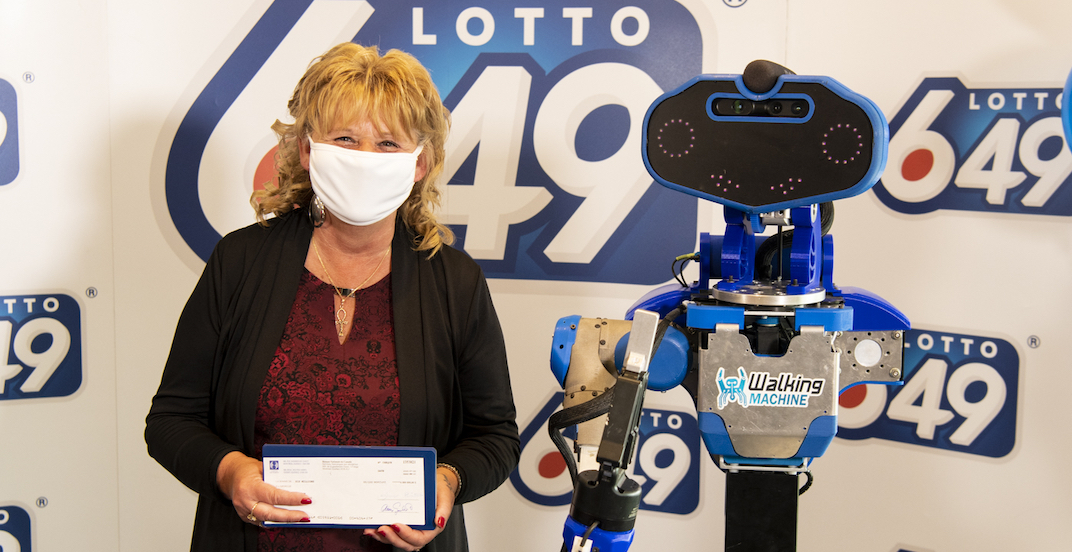 Loto-Québec winner handed $6 million cheque from a robot