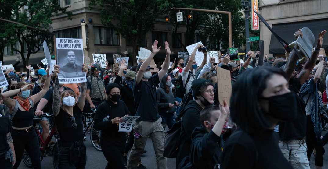 Mayor Wheeler tear-gassed by federal agents at Portland protest