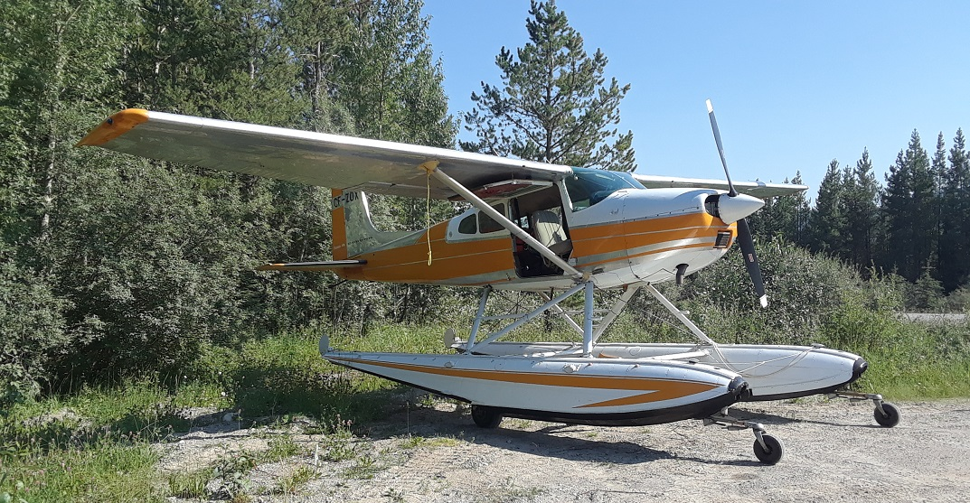 Plane makes emergency landing on road near Jasper National Park