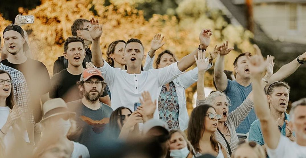 """Hundreds of """"worshippers"""" flocked to Cal Anderson Park on Sunday (VIDEO)"""