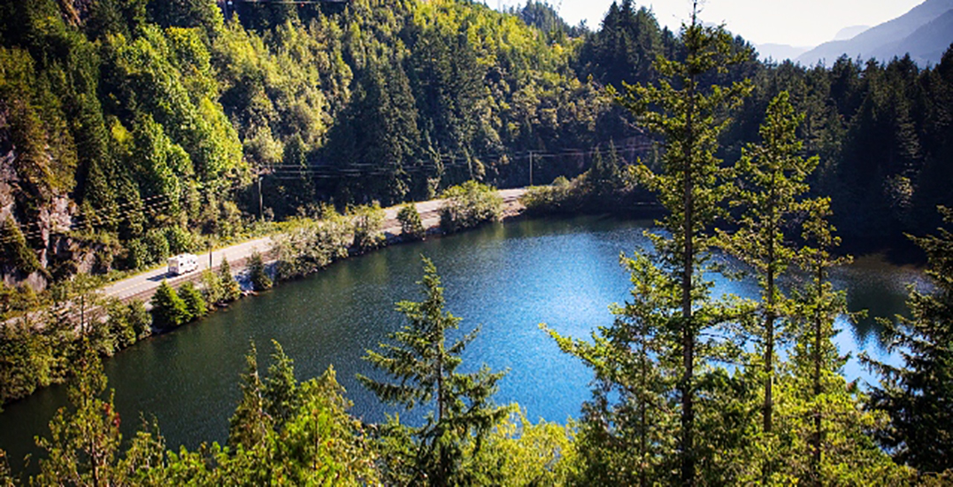 Man drowns after slipping off inflatable device at Squamish lake: RCMP