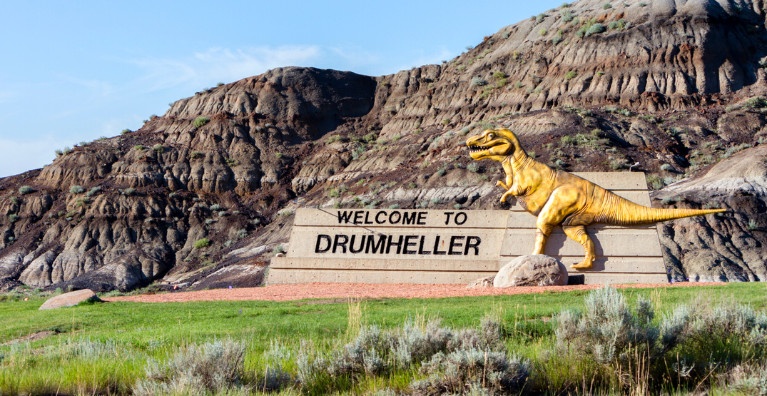 "Drumheller businesses handing out ""Dino Bucks"" to mask-wearers"