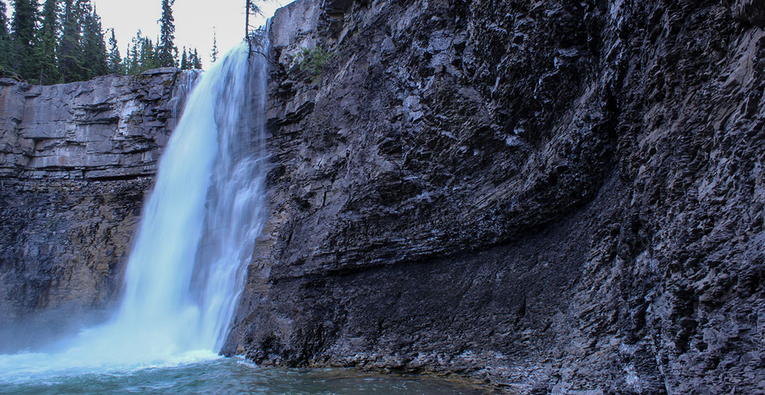 Children watch as family members swept away by Alberta waterfall