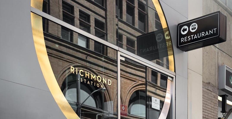 Several Toronto restaurants eliminating tipping, adding mandatory gratuity