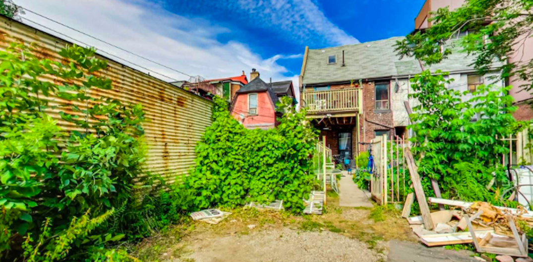 This property on Bathurst is selling for over $2.3 million (PHOTOS)
