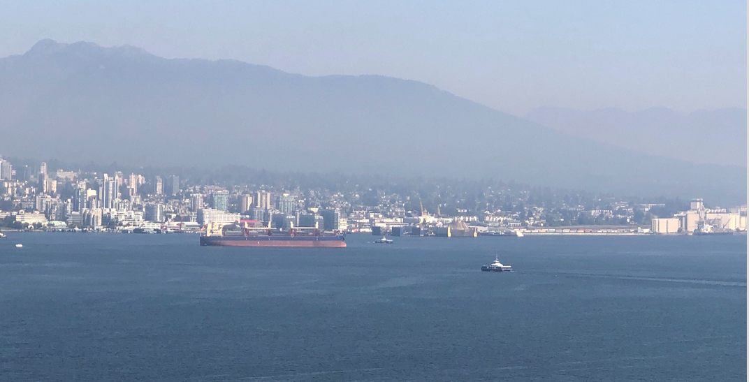 Air quality advisory continues as wildfire smoke blankets Metro Vancouver
