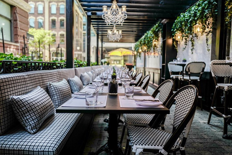 Popular King Street restaurant reports positive coronavirus case