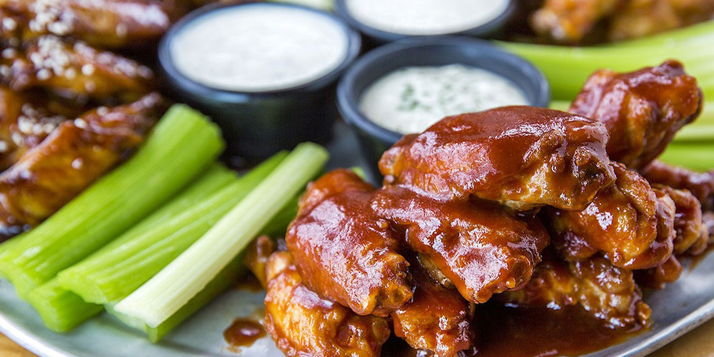 Celebrate the Seahawks with a 100-wing game day party pack
