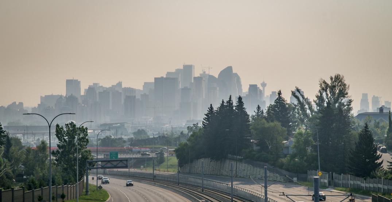 Calgary woke up to smoky skies on Friday morning (PHOTOS)