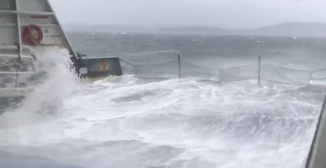 Watch this Washington ferry travel through incredible gusts of winds (VIDEO)