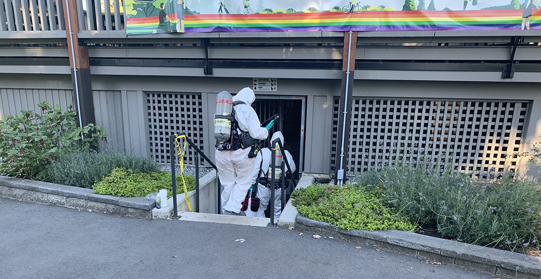 Hazmat crew cleans up mercury spill in Stanley Park