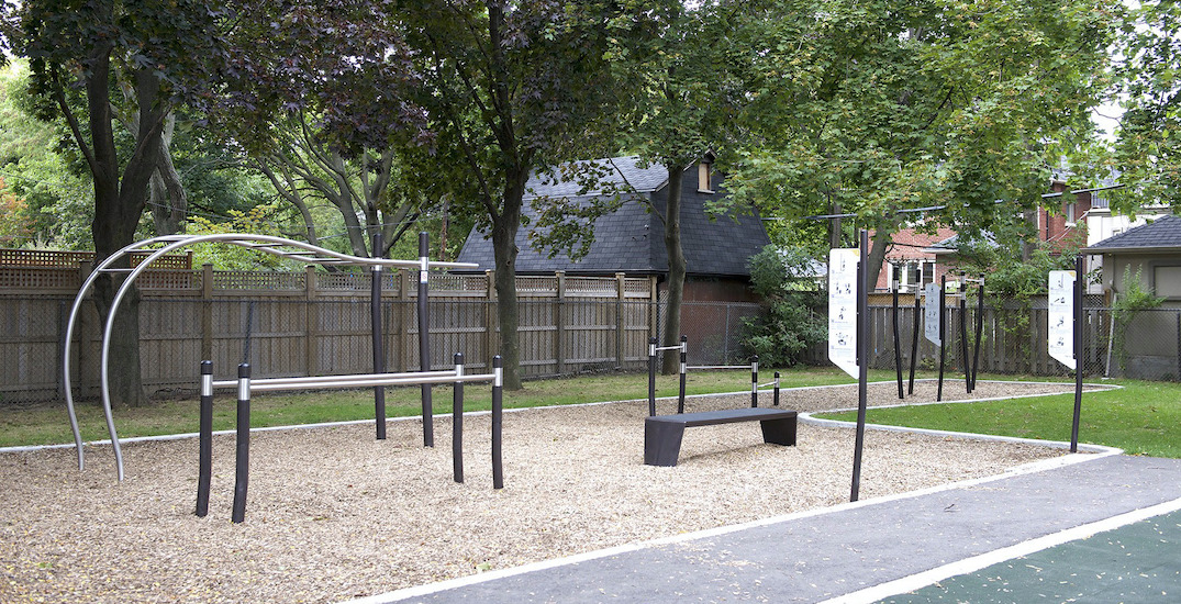 There are outdoor fitness pods all around the city of Toronto