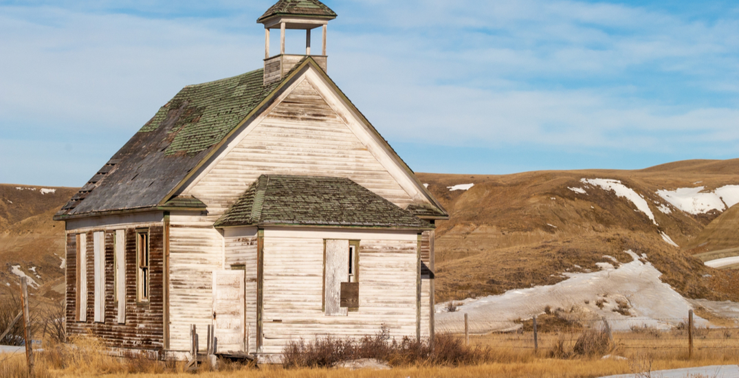 19 abandoned ghost towns in Alberta to road trip to this October