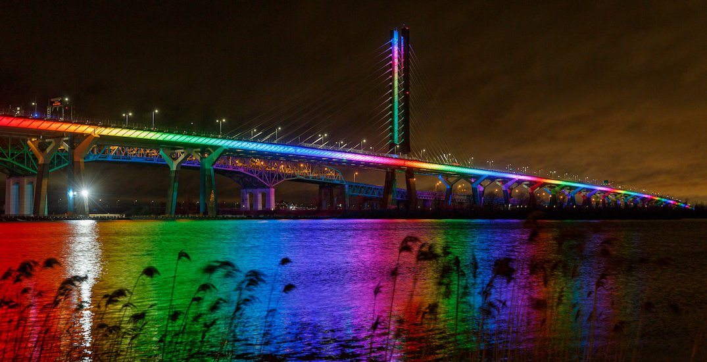 Samuel De Champlain Bridge to remain rainbow-lit through December