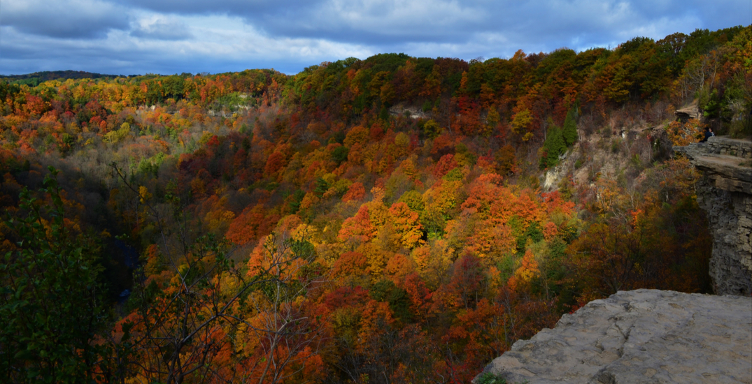 Popular fall hiking trail requires reservations before visiting