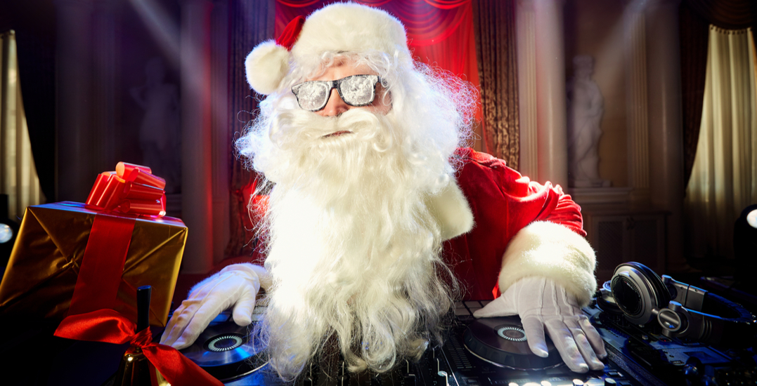 Toronto radio station already turning into 24/7 Christmas music