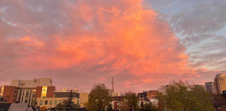 Toronto's sunset was stunning last night (PHOTOS)