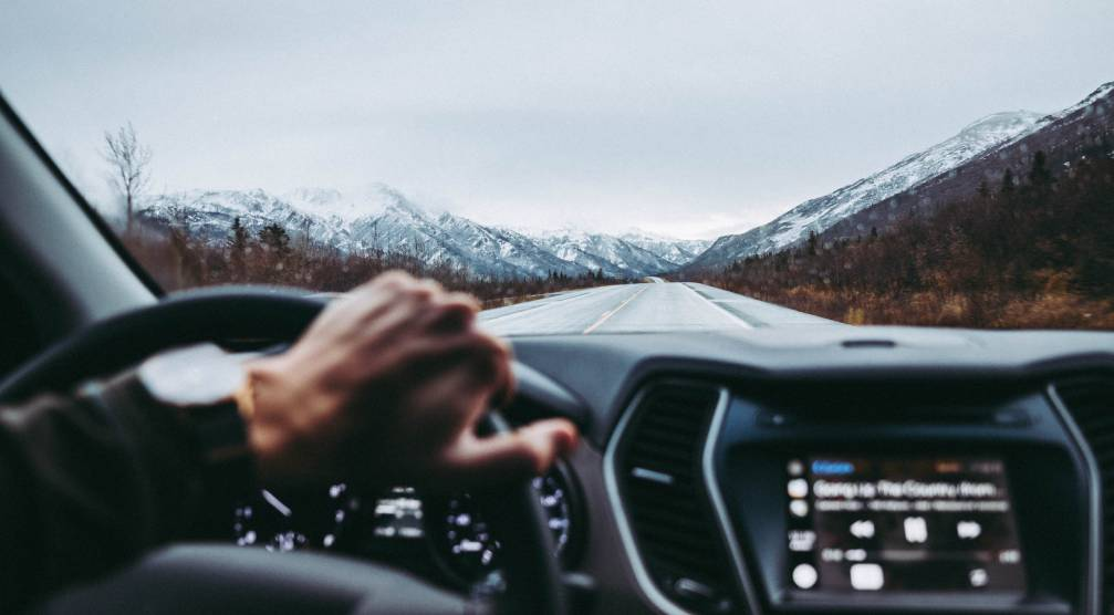 These tips are essential if you're not used to driving in winter
