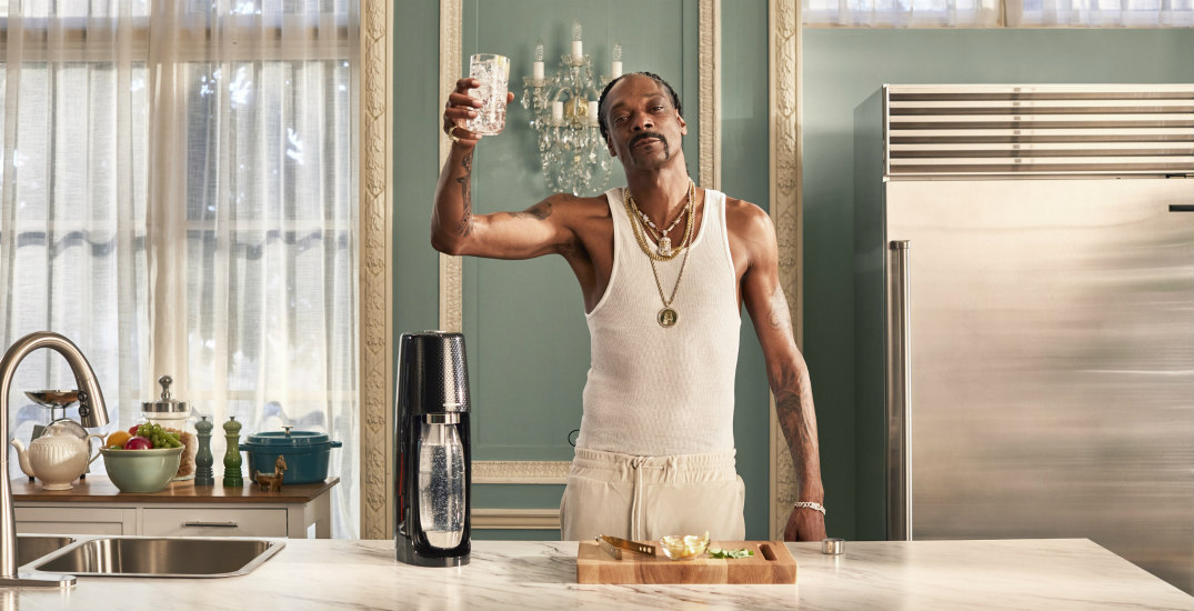 Snoop Dogg and SodaStream have teamed up for a hilarious holiday video