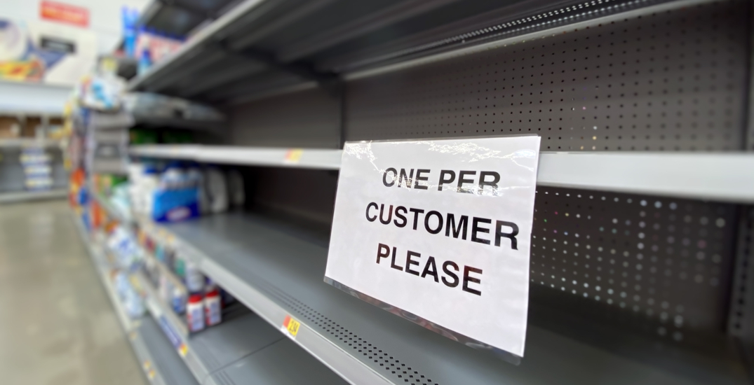 Seattleites are panic-buying amid lockdown fears (PHOTOS)