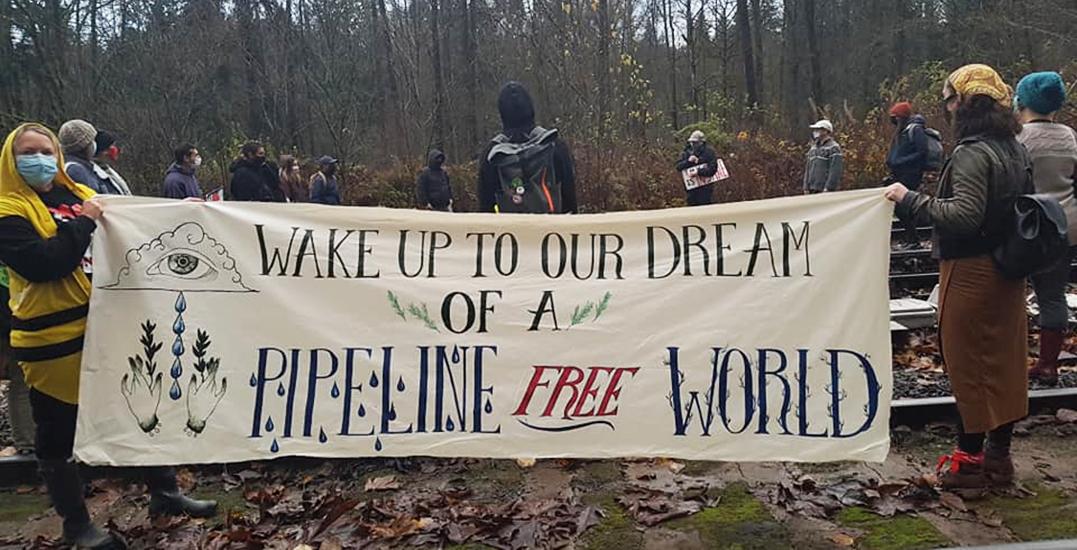 Pipeline protesters set up rail blockade in Metro Vancouver