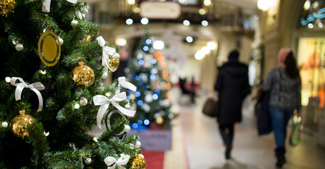Majority of Canadians still plan to shop in stores this holiday season