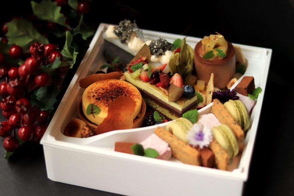 Minami Holiday Dessetrt Bento - Photo by Cody Chan