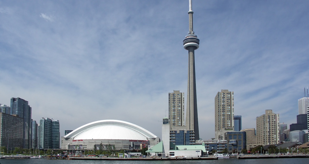 Hundreds sign petition to save Rogers Centre from being demolished