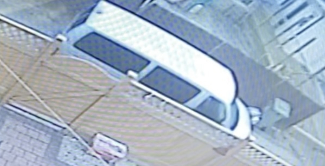 Richmond RCMP searching for van driver who allegedly offered candy to child