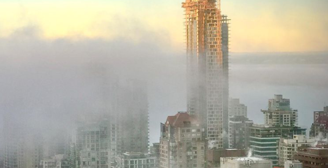 Vancouver was overtaken by fog this morning (PHOTOS)