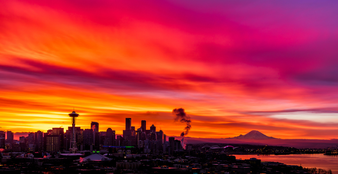 Seattle was blessed with an incredibly colorful sunrise this morning (PHOTOS)
