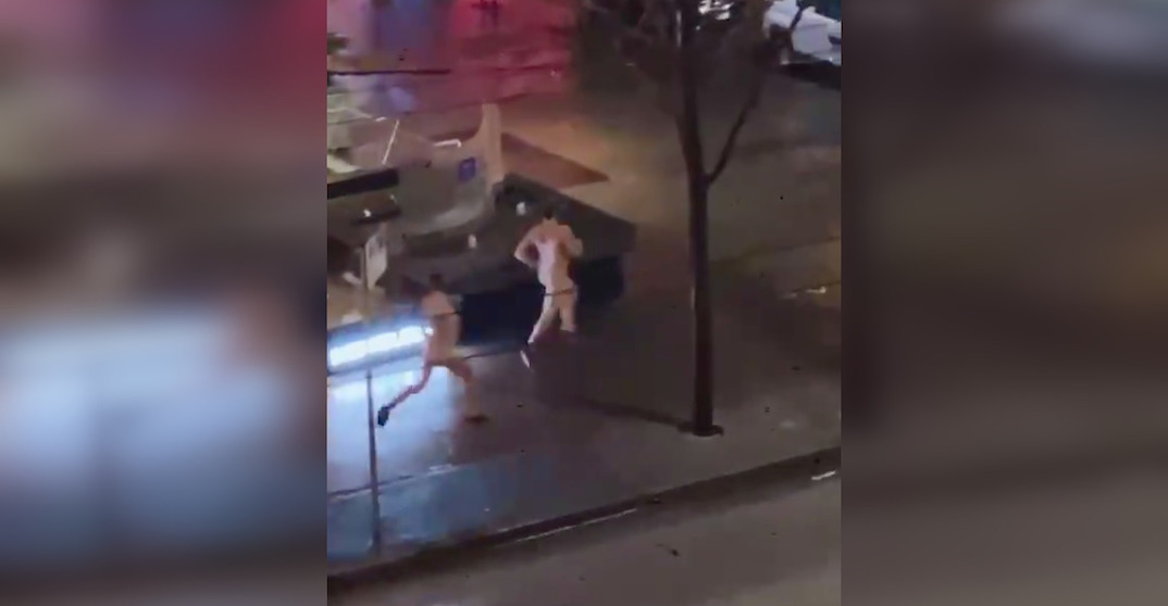 2 men ring in New Year by streaking in downtown Vancouver (VIDEO)