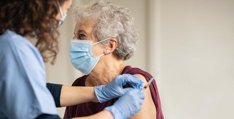 City of Toronto hiring 100 nurses for mass immunization sites