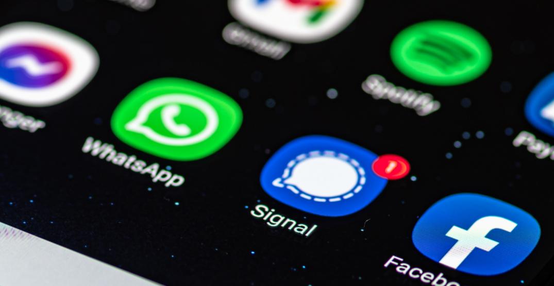 Signal app crashes as millions of WhatsApp users seek alternative