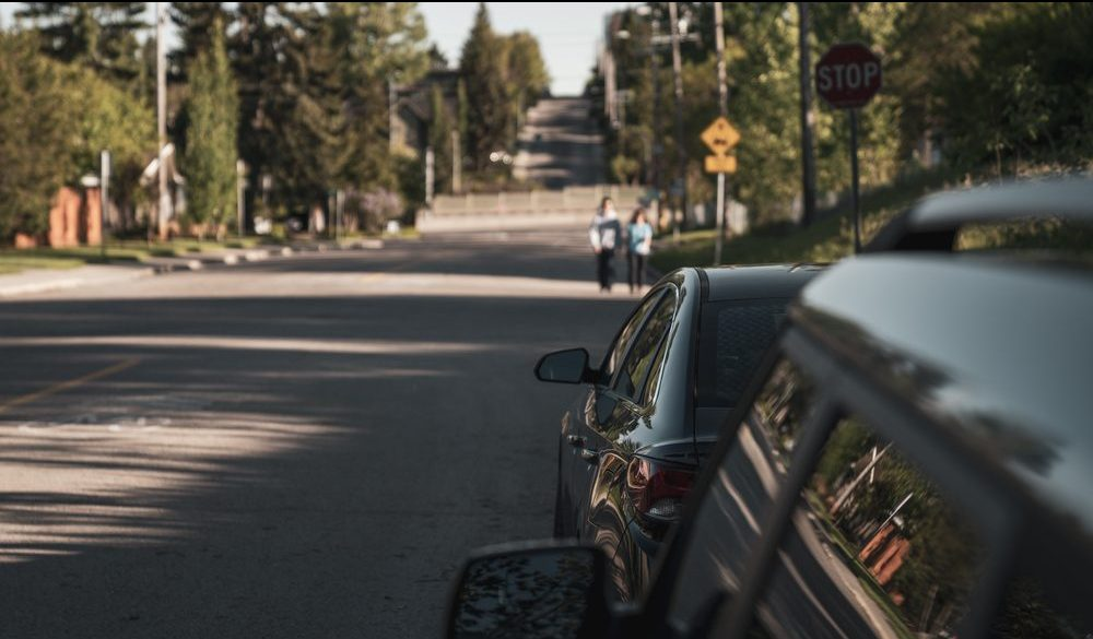 Calgary city council votes to lower residential speed limits