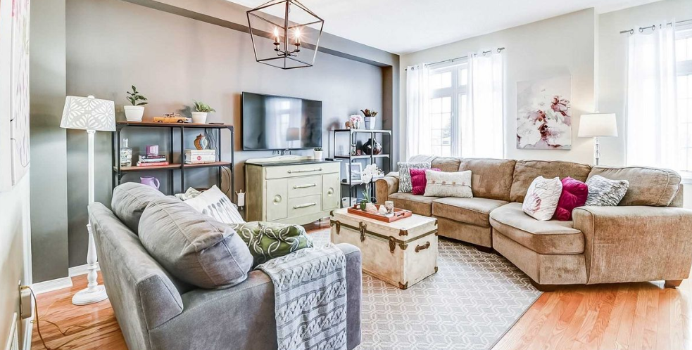 10 townhouses in Mississauga currently listed under $850,000