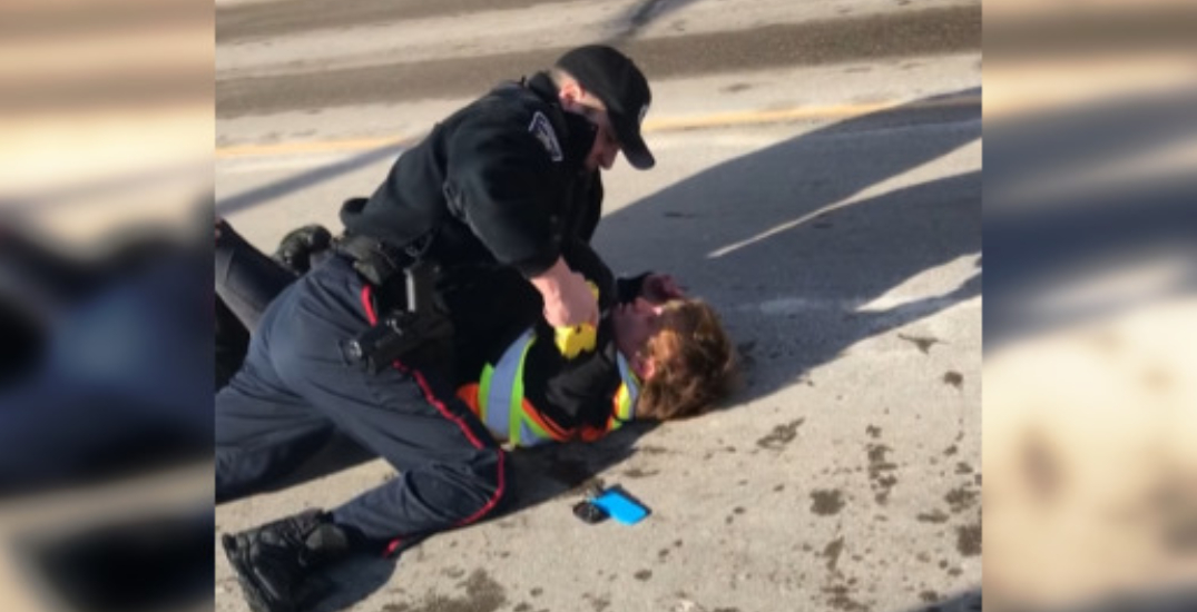 """Police """"looking into"""" videos showing violent arrest in Barrie"""