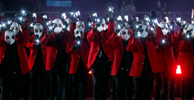 The Weeknd super bowl halftime show background dancers