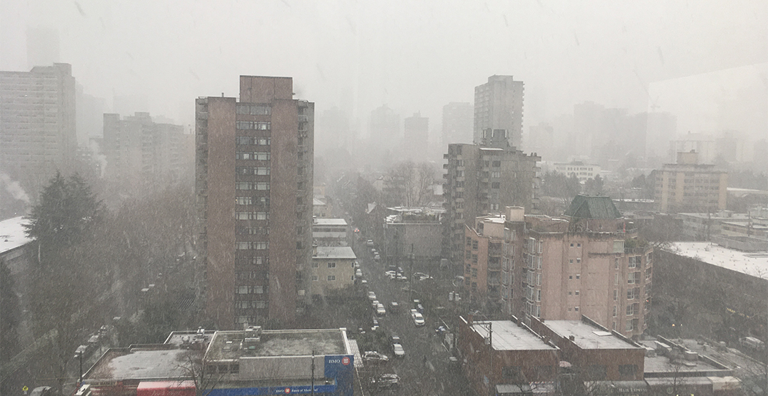 Snow flurries begin over Vancouver as arctic air hits South Coast