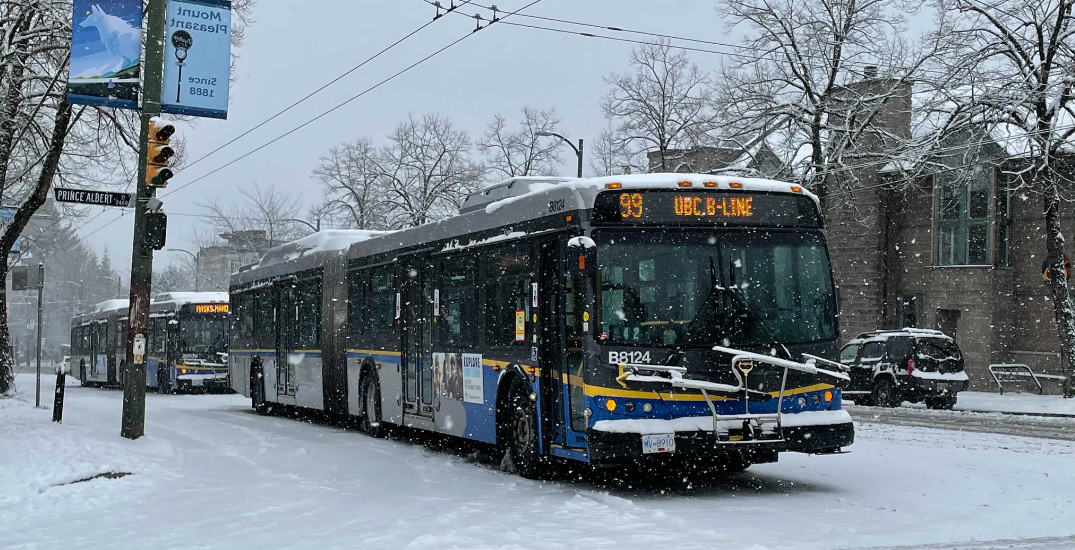 Stretch of Broadway closed as TransLink buses stranded in snow (PHOTOS/VIDEO)