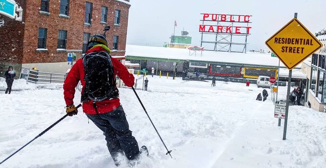 People were skiing down Seattle streets this weekend (VIDEOS)