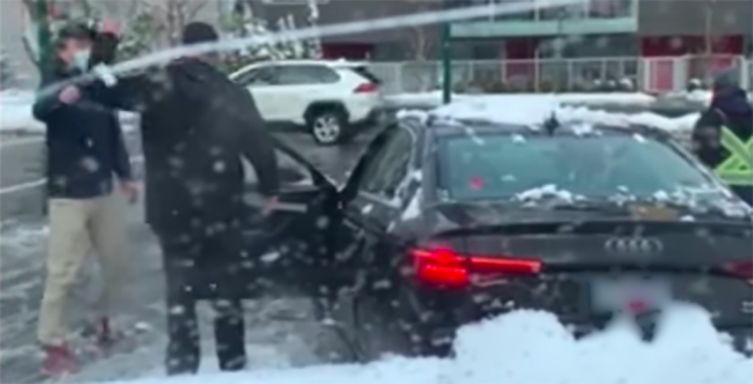 Road rage incident turns into snow fight in Vancouver (VIDEO)