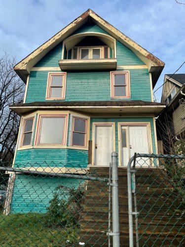 2549 Fraser Street / Darcy Matheson