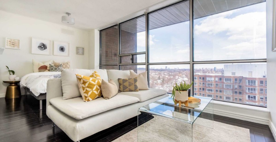 There's a Yorkville condo that just hit the market for under $380,000 (PHOTOS)
